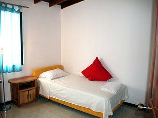 Habitacion tranquilidad en Laureles-Estadio