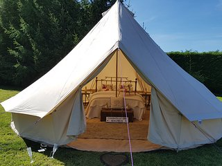 Roe Deer Fields - Luxury Glamping Accomodation