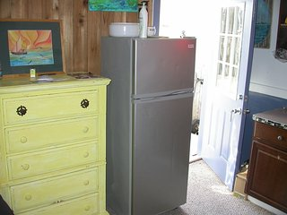 Studio Apartment, Ocean Beach Fire Island $300