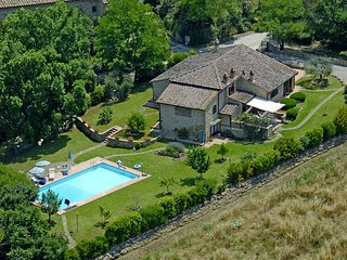 Villa San Gimignano - beautiful country villa with pool and garden in the heart