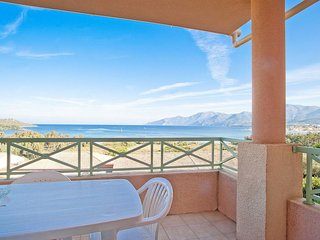 2 bedroom Apartment with Pool, WiFi and Walk to Beach & Shops - 5642489