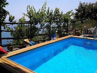 Praiano Villa Sleeps 5 with Pool Air Con and WiFi - 5229072