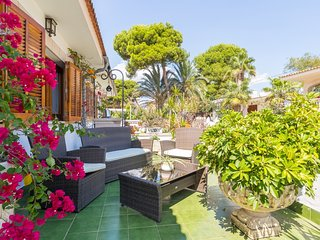 Bugambilla - Beautiful villa with garden 50 meters from Platges de Muro beach