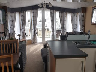 Tattershall Lakes Luxury Caravan In Quiet Area ~NO Hot Tub ~NO Pets ~NO Smoking~