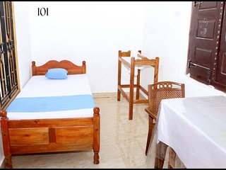 superior single room  in Jaffna for 1 Pax