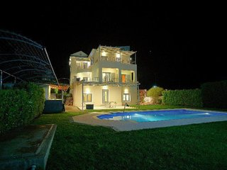 Luxury Villa Dion: your stairway to holiday heaven!