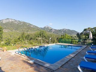 Can Tabou - Beautiful villa with pool and garden in Selva