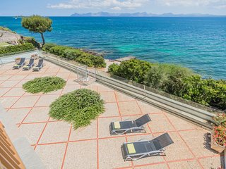 Can Torrens - Spectacular villa for 10 people facing the sea in Alcanada