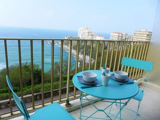 1 bedroom Apartment with WiFi and Walk to Beach & Shops - 5621912