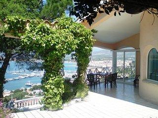 NEW! Oasis de tranquilidad con piscina,impresionantes vistas a la bahia de Roses