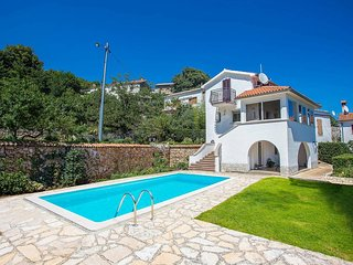 3 bedroom Villa with Pool, Air Con and WiFi - 5783435