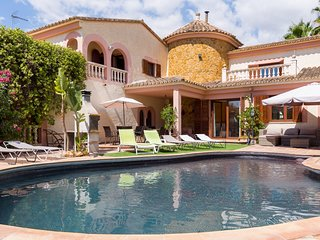 Castellet - Spectacular villa with pool near Palma
