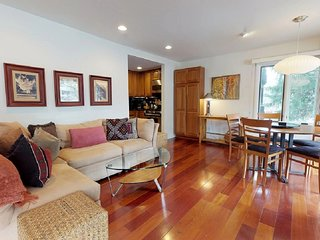 Well Furnished and Maintained, Walk to Restaurants (208278)