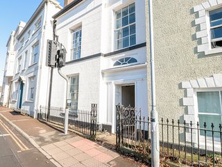 7 MONK STREET, Off-road parking, Enclosed garden, Woodburner, Monmouth