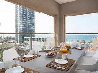 Gorgeous Design Apt - Amazing Terrace with Sea Vie