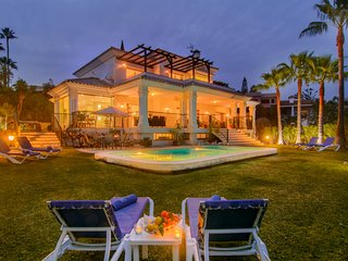 El Rosario villa with pool garden terraces WiFi jacuzzi BBQ