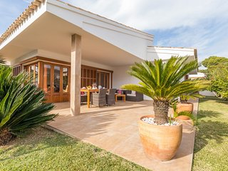 Margarita - Beautiful villa with garden in Platges de Muro