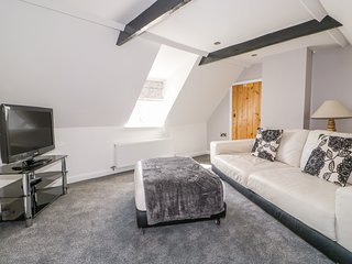 THE ATTIC HOUSE, Victorian property, WiFi, Wragby