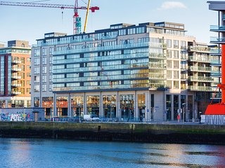 MINUTES TO GRAND CANAL & CENTRAL DUBLIN