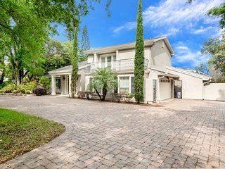 Beautiful Bay Hill Villa 5424TD