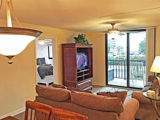 Ocean view Holiday Towers in So Myrtle. Close to Boardwalk Great Amenities