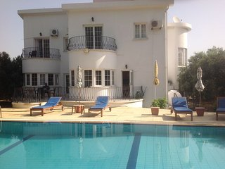 Fully Detached Modern Villa (240sq.M Covered Area) With Private 10m X 5m Seclude