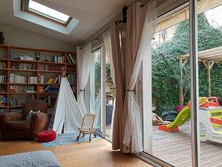 Maison avec jardin, 3 chambres, au calme pres de la mer et du Vieux Port