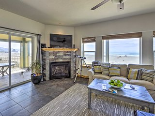Oceanfront Gold Beach Home w/ Hot Tub & Deck!