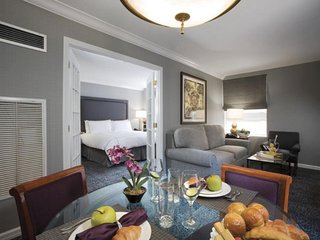 Luxury 1 Bedroom Suite