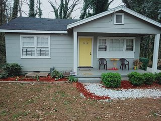Atlanta Cozy Bungalow near Downtown attractions - safari hse