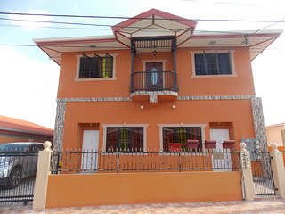 Stewart Hotel Apt -Trincity,Airport,Washer,Dryer,WiFi,Netflix,Office,Gated,Alarm