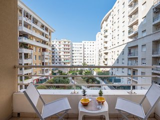 1 bedroom Apartment with Air Con, WiFi and Walk to Beach & Shops - 5051993