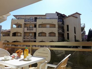 1 bedroom Apartment with Air Con, WiFi and Walk to Beach & Shops - 5802216