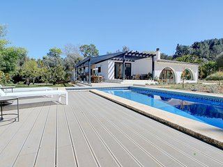 Villa Roca Verde with private POOL,TERRACE & LUSCIOUS GARDENS