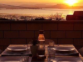 La Rotiza II - Frente a Santander. Con terraza y vistas al mar.