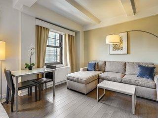 Luxury Studio Suite w/ Free Continental Breakfast