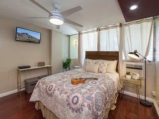 Lovely Quiet Studio | Steps to Waikiki Beach!