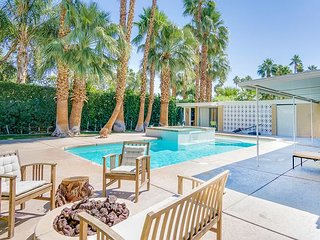 Twin Palms Mid-Century Home | Mountain-View Pool & Spa