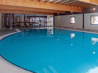 Chalet spacieux avec accès Wi-Fi, piscine et sauna GRATUIT