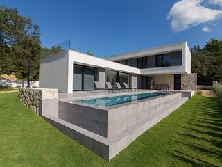 Sol Crestatx - Beautiful and modern villa located in Crestatx