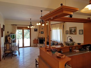 Eftihia's Tratitional House