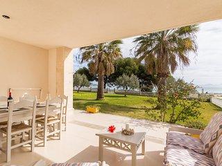Vidalba 22 - Beachfront apartment in Puerto Alcudia.