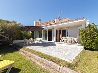 Villa Joy - Beautiful villa with garden on the beach of Platges de Muro