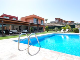 3 bedroom Villa with Pool, Air Con and WiFi - 5784561