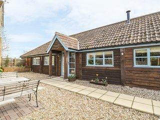 SHIPPON BARN, dog-friendly, WiFi, near Yeovil