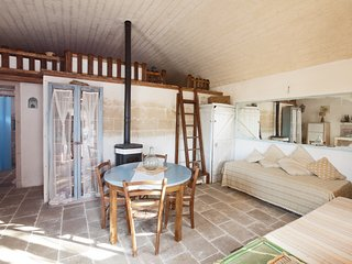 'Lamia Pascal' stone built apartment in Messapian style with pool