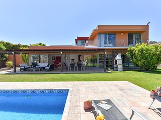 3 bedroom Villa with Pool and Air Con - 5784560