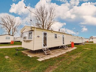 8 berth caravan for hire at California Cliffs in Norfolk ref 50063