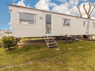 8 berth static caravan to hire at Cherry Tree park in Norfolk ref 70337