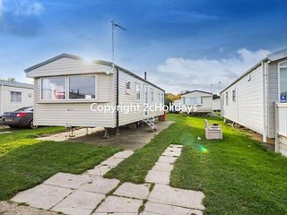 8 berth caravan for hire near Great Yarmouth at Broadland sands ref 20268BS